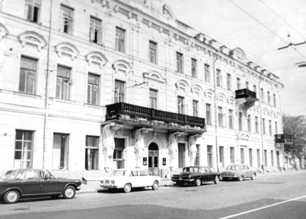 Быстро заложить автомобиль Тверская-Ямская 2-я улица займ под птс Новые Сады 1-я улица